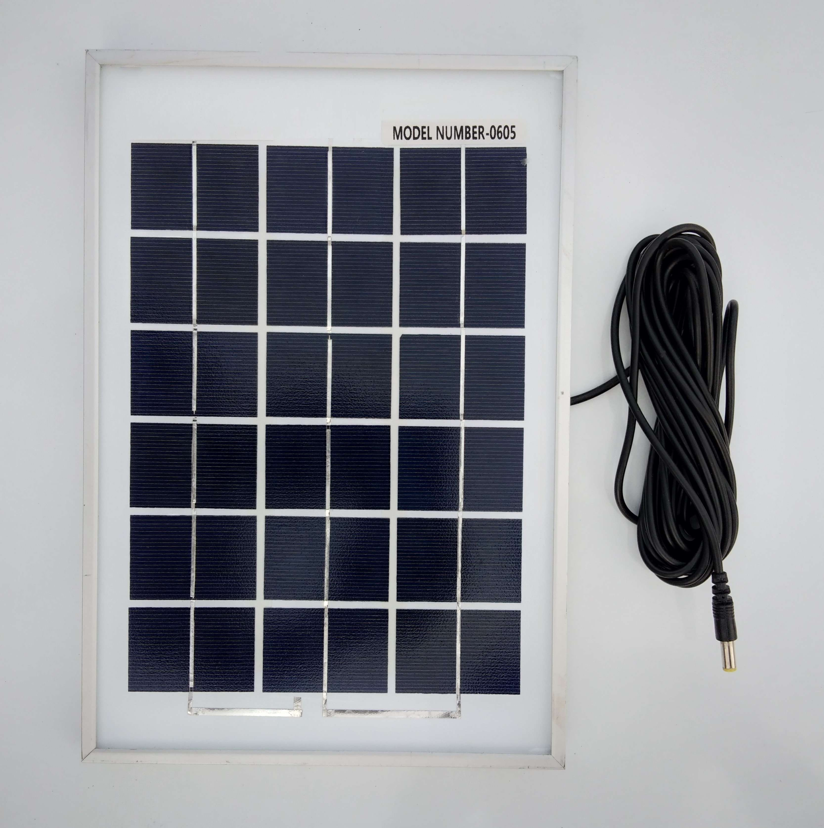 5 watt Solar Panel with strong aluminium frame and with 5 meter wire